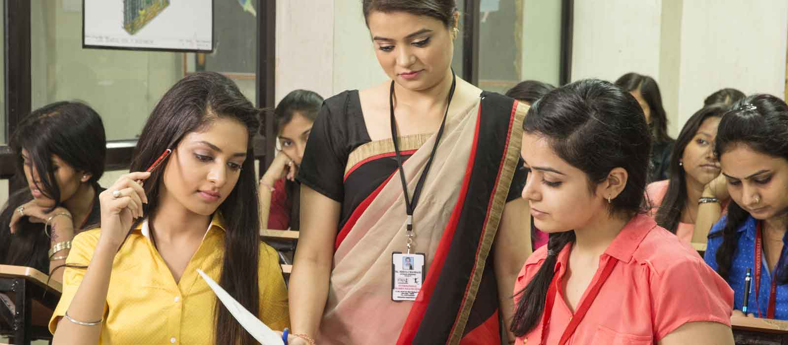 Courses for fashion designing in india Top 10 fashion design colleges in India 2016 m